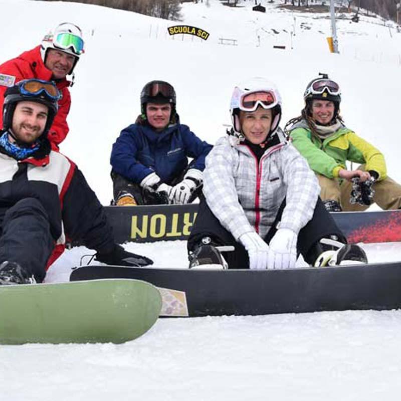 scuola-sci-livigno-italy-snowboard-group-lesson-cover.jpg